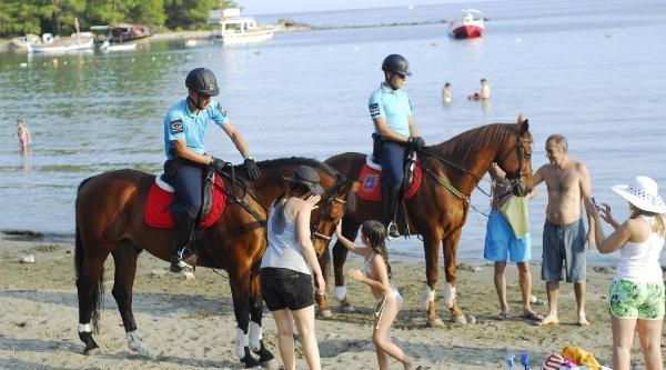Atlı Jandarma Sahilde Göreve Başladı