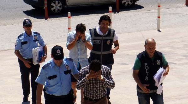 Atm Başında Hırsızlığa 2 Tutuklama