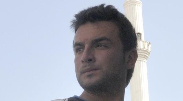 Atm'de Unutulan 100 Lirayı Alınca Gözaltına Alındı