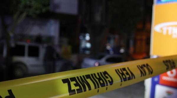 Avcılar'da Markete Ses Bombası Atıldı