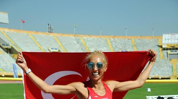 Avrupa Veteran Atletizm Şampiyonasi'nda Renkli Görüntüler