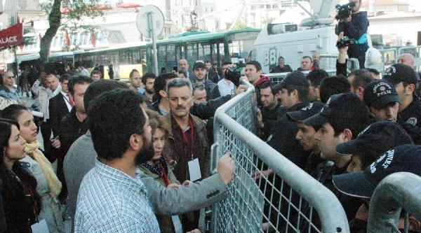 Avukatlar Taksim Meydanı'na Alınmadı
