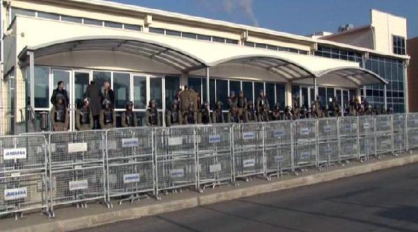 Avukatlarin Yargilandiği Dava Öncesi Silivri'de Yoğun Güvenlik Önlemleri