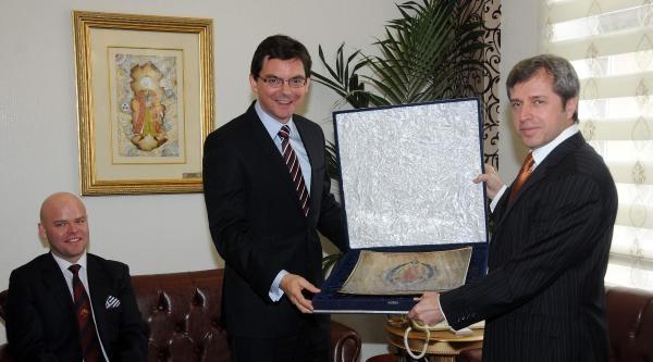 Avustralya Büyükelçisi'nden Çanakkale Valisi'ne Ziyaret
