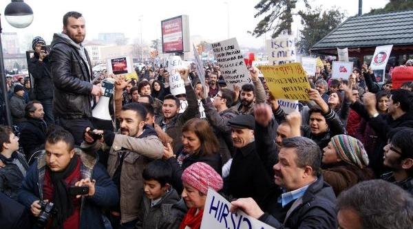 Ayakkabi Kutulariyla Protesto Yürüyüşü