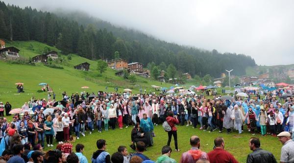 Ayder'de Yağmur Altında Festival Coşkusu