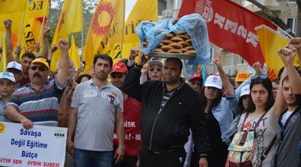Aydın'da İşçi Bayramı Yağmur Altında Kutlandı