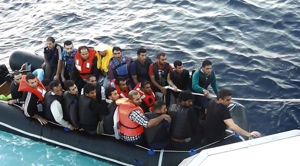 Ayvalık'ta 34 Suriyeli Kaçak Yakalandı (2)