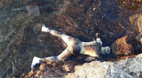 Ayvalık'ta Sahilde Erkek Cesedi Bulundu