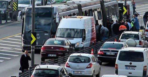 Ayvansaray'da metrobüs kazası: 16 yaralı
