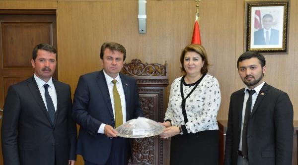 Azerbaycan Ataşesi Büyükşehir Belediye Başkanı Erkoç'u Ziyaret Etti