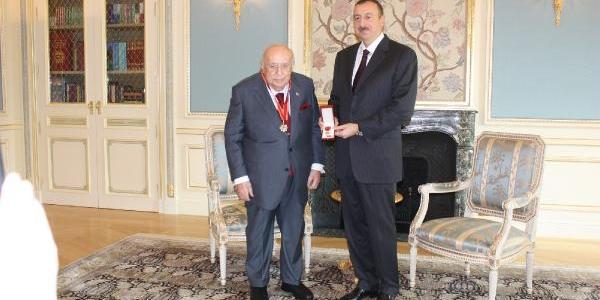 Azerbaycan Devlet Başkani Aliyev, 9. Cumhurbaşkani Demirel'e, 89. Yaş Gününde 'şeref Nişani Madalyasi' Verdi