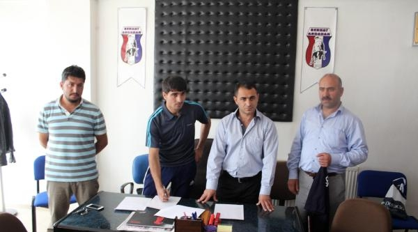 Azerbeycan Süper Ligi'nden Serhat Ardahanspor'a 2 Transfer