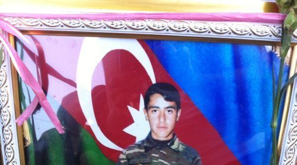 Azeri Milletvekili Paşayeva, Şehit Edilen Askerin Ailesini Ziyaret Etti