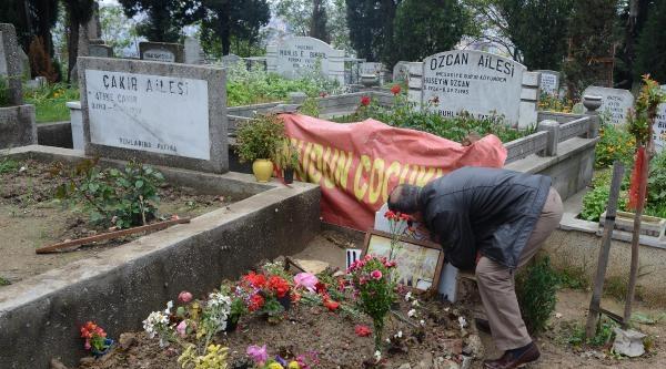 Baba Elvan: Dileğim Berkin'i Vuranların Annelerine Hediyesi Olsun Bu Çiçekler