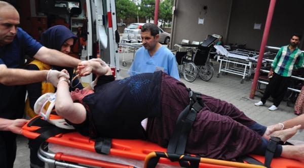 Baba- Oğulun Otomobillerinin Çarpiştiği Kazada Yaralanan Yaşlı Kadın Öldü