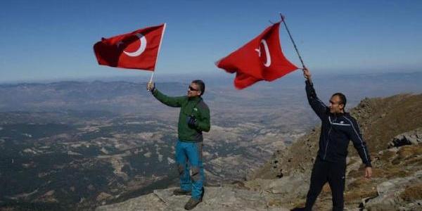 Babadağ Zirvesinde Cumhuriyet Kutlamasi