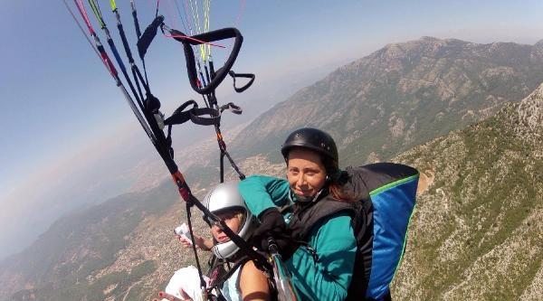 Babadağ'ın Tek Kadın Yamaç Paraşütü Pilotu