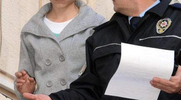 Babasinin Dövdüğü Kizi Polis Kurtarip Yurda Yerleştirdi