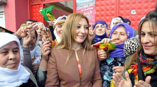 Babasının Öldürüldüğü Cizre'nin İlk Kadın Belediye Başkanı Oldu