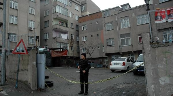 Bağcilar'da 4 Kişinin Öldürüldüğü Otoparkta Çevik Kuvvet Nöbeti