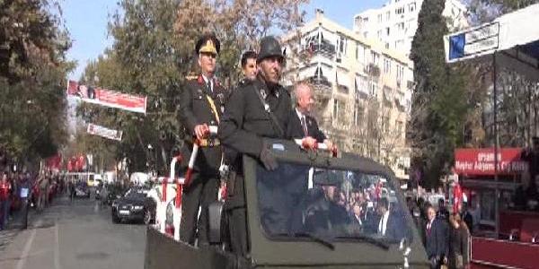 Bağdat Caddesi'nde Renkli 29 Ekim Kutlamasi