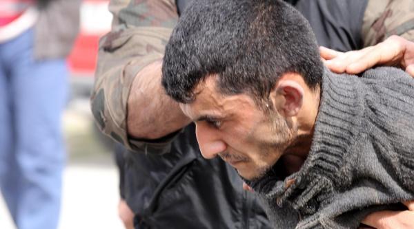 Bağımlı Genç Amatem'den Kaçtı, 4 Kilo Esrarla Yakalandı