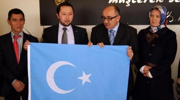 Bağimsiz Doğu Türkistanlilar Birliği Başkanliği'na, Erkinbeğ Uygurtürk Seçildi