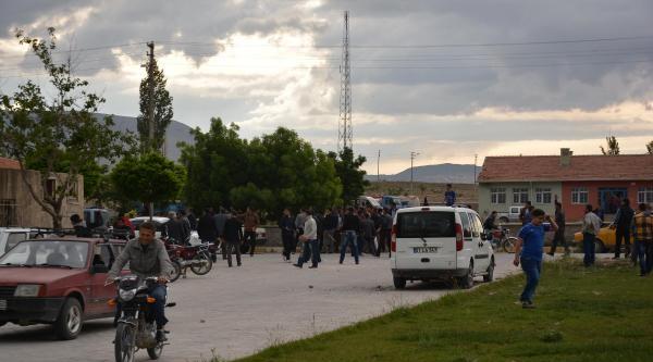 'bağlama Beldesi'nde Seçimi Mhp'li Aday Kazandı' (ek Fotoğraflar)