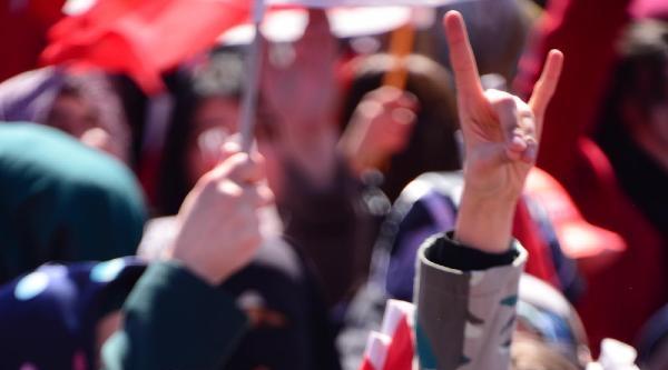 Bahçeli Erzurum'da: Sen Cumhuriyet Dönemine Gelmiş Tehlikeli Zehirsin