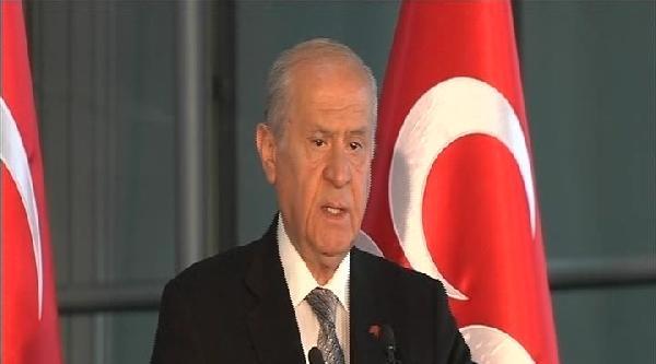 Bahçeli: Türkiye'yi Hala Şaibelerden Arınmamış Bir Başbakan Yönetmektedir