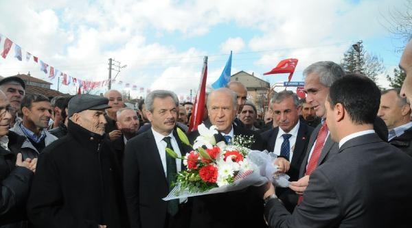 Bahçeli'den Başbakan Erdoğan'a Aklanma Çağrisi / Ek Fotoğraflar