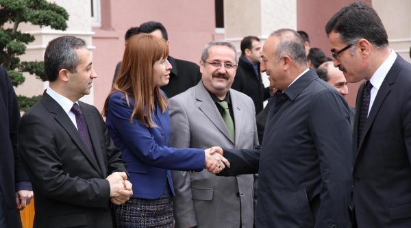 """Bakan Çavuşoğlu: """"ab Konusunda Pes Etmemek Lazım"""""""