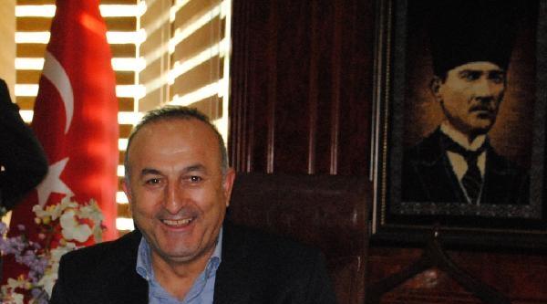 Bakan Çavusoğlu: Berkin'in Cenazi Üzerinden Ülkeyi Kaosa Sürüklemek İstiyorlar