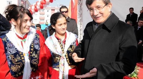 Bakan Davutoğlu Van'da