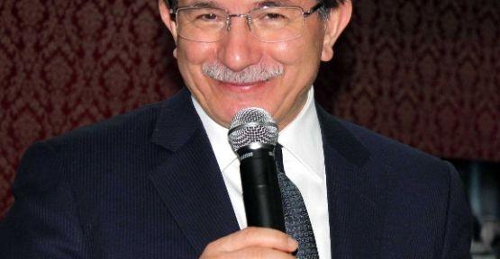"Bakan Davutoğlu'ndan ""onurlu İnsan"" Vurgusu"
