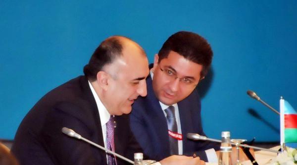 Bakan Davutoğlu'ndan Tek Millet Vurgusu