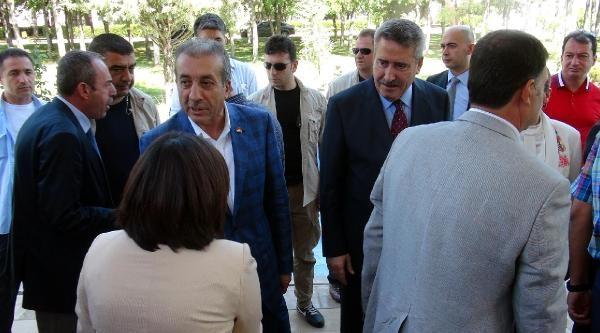 Bakan Eker Diyarbakır'da Bayramlaştı
