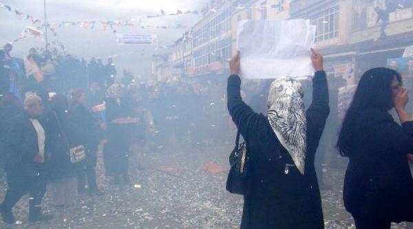 Bakan Ergin, 'sadullah Başkan' Sloganlariyla Karşilandi (2)
