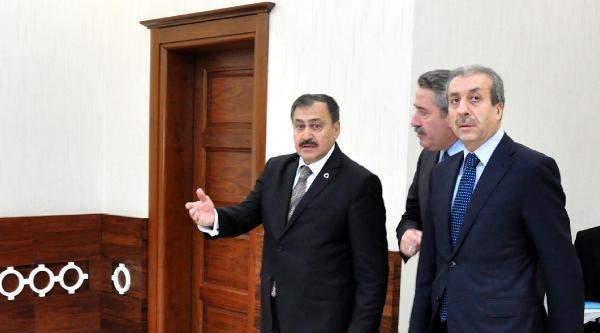 Bakan Eroğlu Hdp'ye Saldırıyı Değerlendirdi: Demokrasiye Atılmış Bir Hançerdir