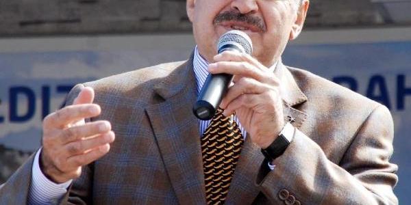 Bakan Eroğlu, Parti Flamalarini Istemedi, Gençler Çatilara Tirmandi