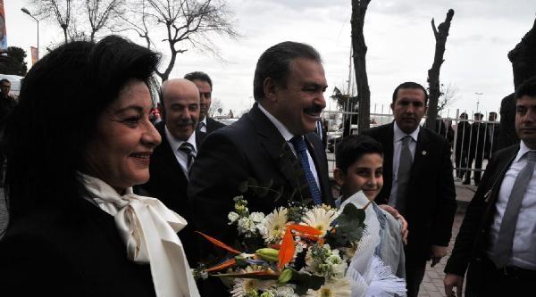 Bakan Eroğlu: Siz Kasetleri Üretmeye Devam Edin, Biz Baraj, Yol, Hastane Yapacağız