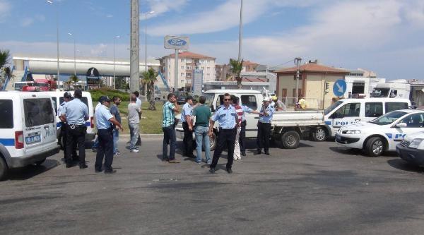 Bakan Güllüce'nin Geçişinden Sonra 'yolu Açın' Tartışması: 7 İşci Gözaltında