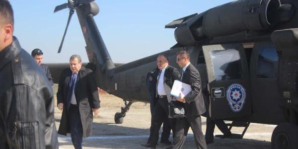 Bakan Helikopterle Stada Indi, Protokol Toz Içinde Kaldi