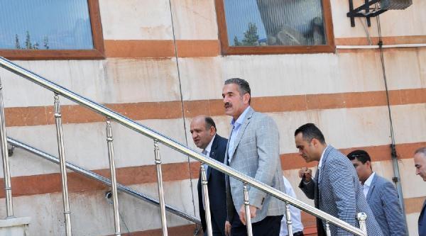 Bakan Işik: Türkiye'nin İhracatini Koruyor Olması Bir Başarıdır