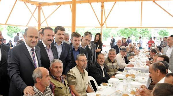 Bakan Işik; 'türkiye'nin Yerli Otomobil Üretmesini Önemsiyoruz'