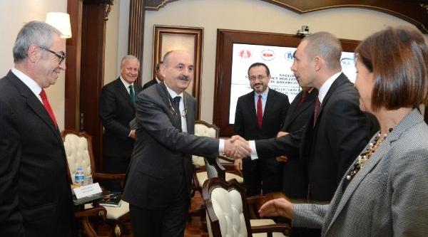 Bakan Müezzinoğlu : Sağlikli Yaşami Kültür Haline Getirmeliyiz