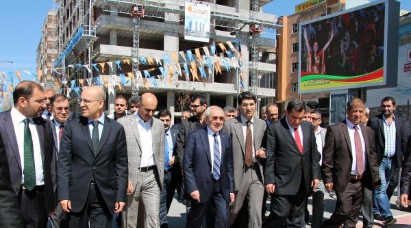 Bakan Şimşek'ten Bdp'li Gençlere Çağri: Çözüm Sürecine Sahip Çikin