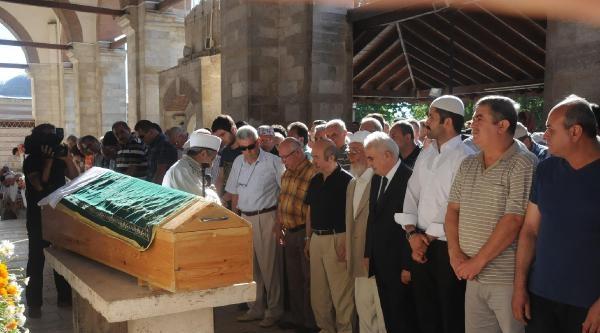 Bakan Unakıtan'ın Kardeşi Hayatını Kaybetti