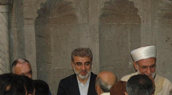 Bakan Yıldız Bayram Namazını Kayseri'de Kıldı